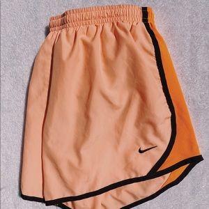 Nike Tempo Shorte